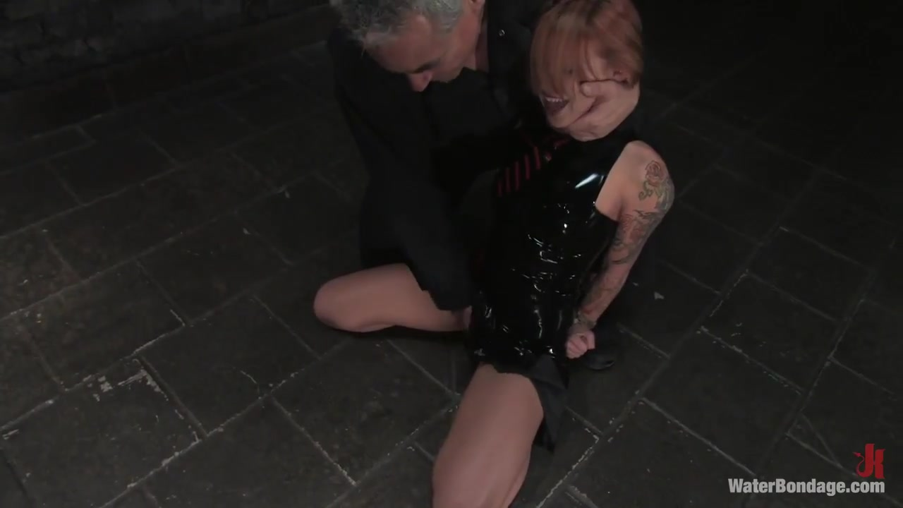 Scarlett Pain is Introduced to Waterbondage