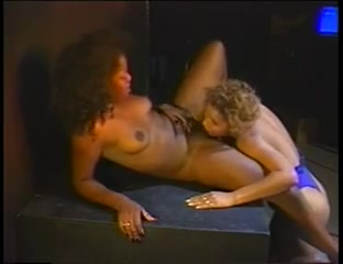 Ebony Star &amp Cinnabunz Have A Private Show
