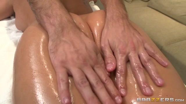 Порно массаж пригласил на улице