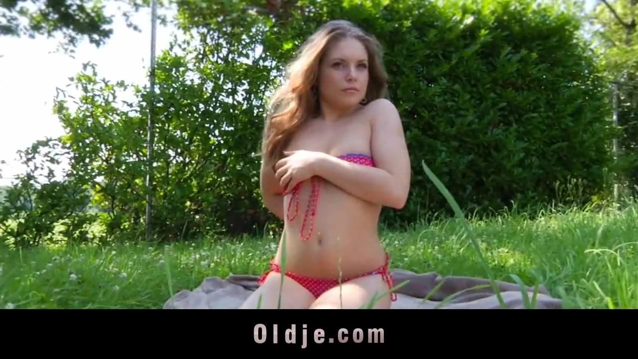 A 18 ans, elle aime dj avaler le sperme - Sexe amateur