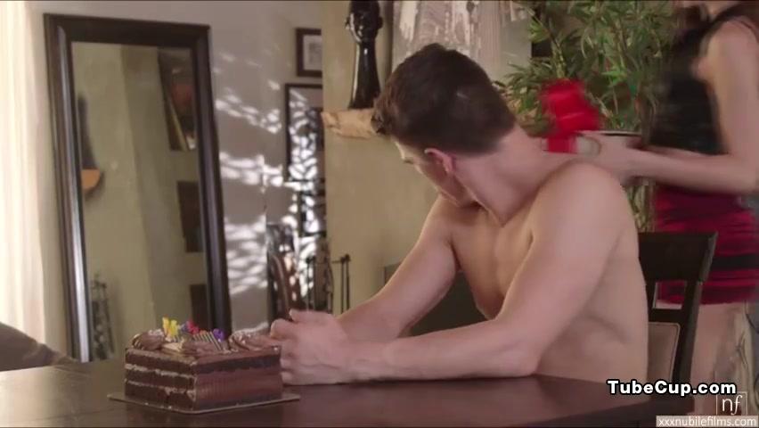 pretty riley reid gets tight pussy fuck and receives a warm cumshot