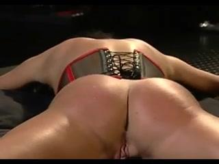 Kinky girls in wicked lesbian BDSM threesome
