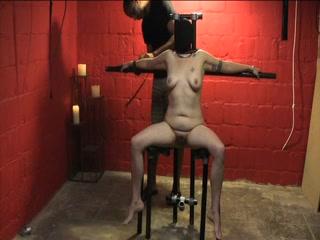 Hot plump MILF enjoys kinky bondage game
