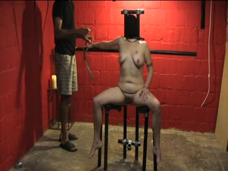 Hot plump MILF enjoys kinky bondage game