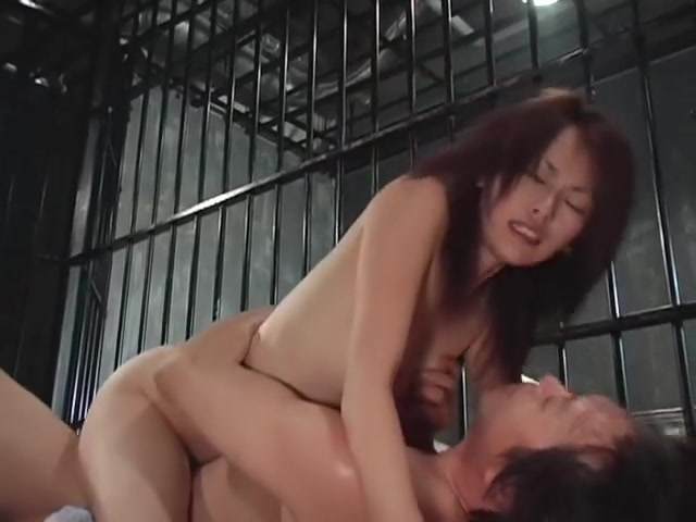 Video 873775-Image 12