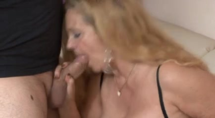 Horny kinky granny fucking her younger boyfriend