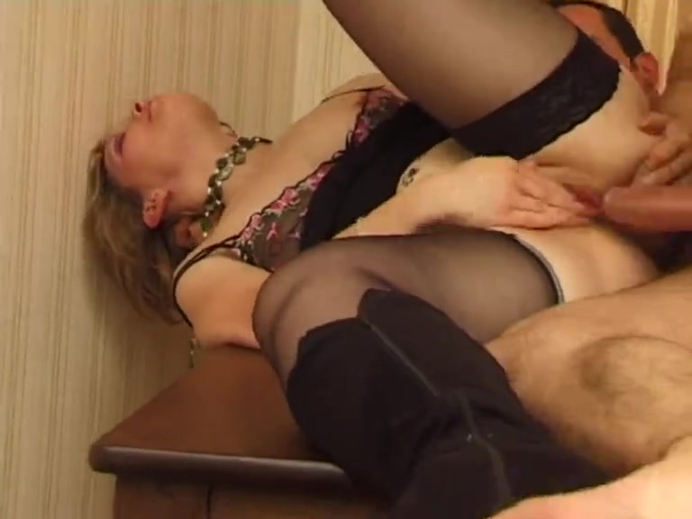 Threesome includes two horny and sexy mature babes