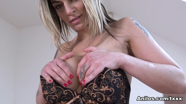 Klarisa Leone in Mature Pussy Pleasure – Anilos